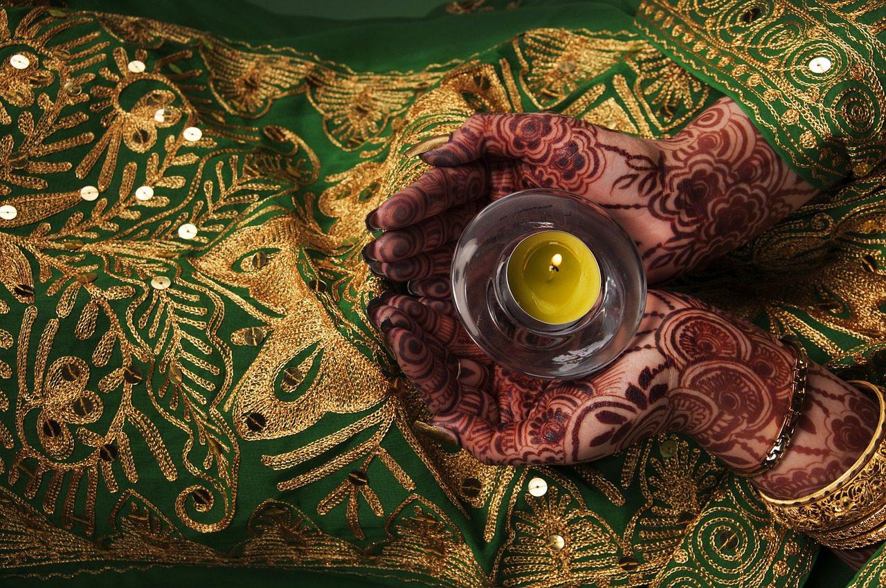 A henna tanítása