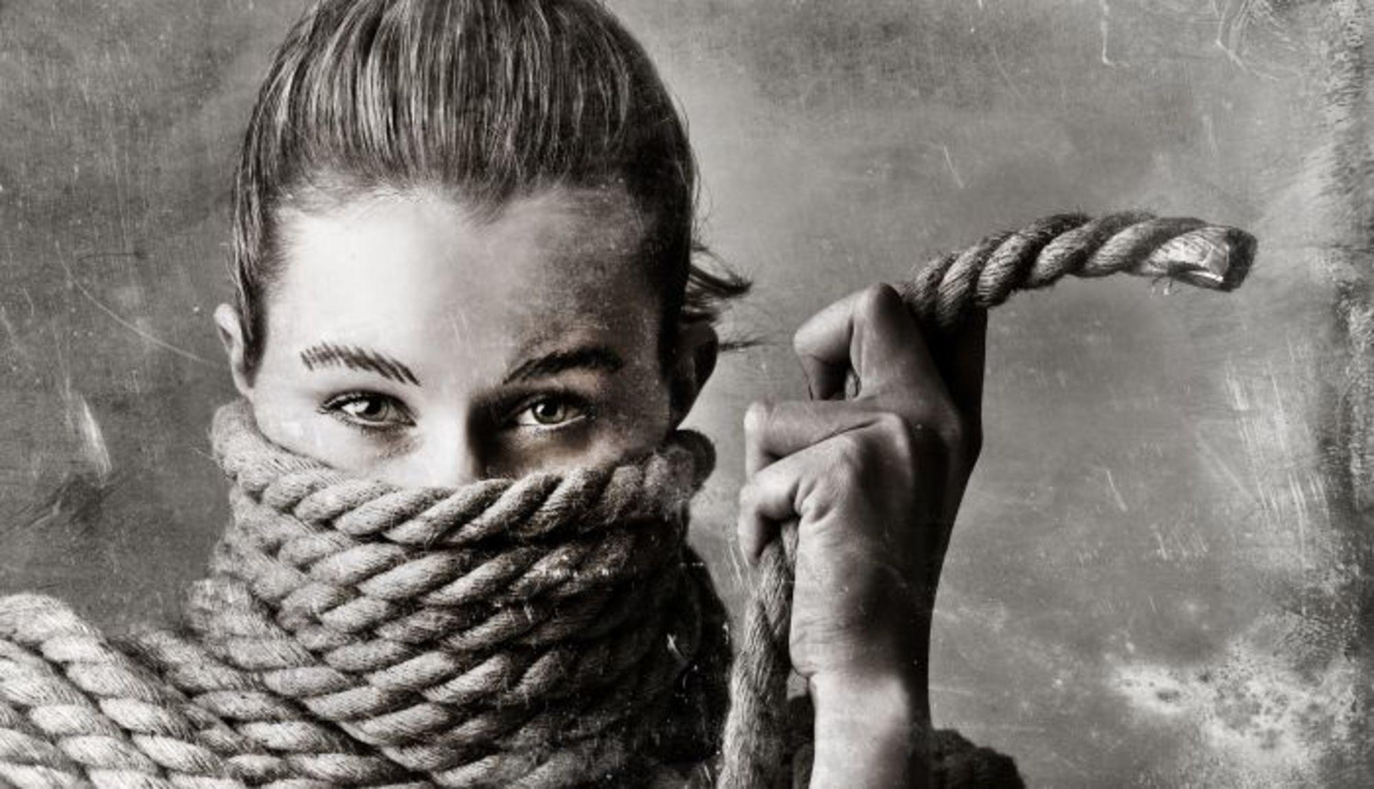 Akadályok – jógagyakorlás a kötőerők hatása alatt