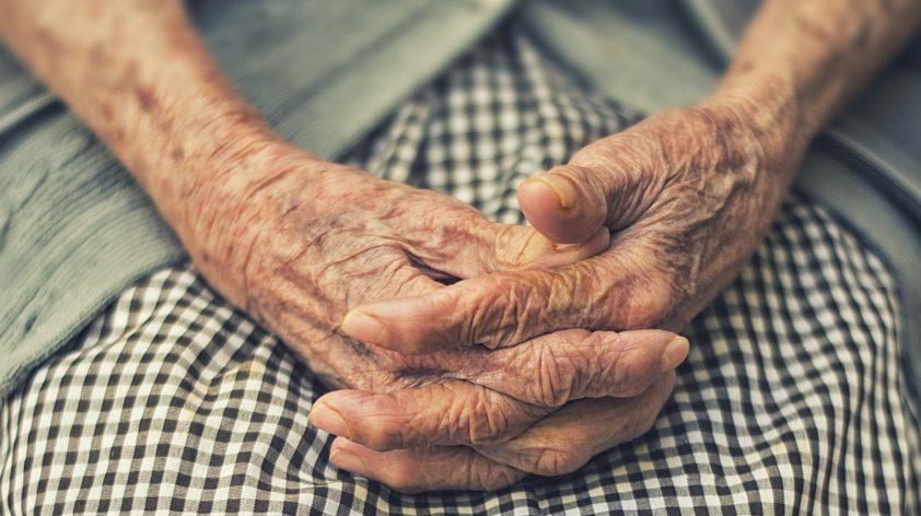 Vigasztaljuk meg a világ legszomorúbb nénijét!