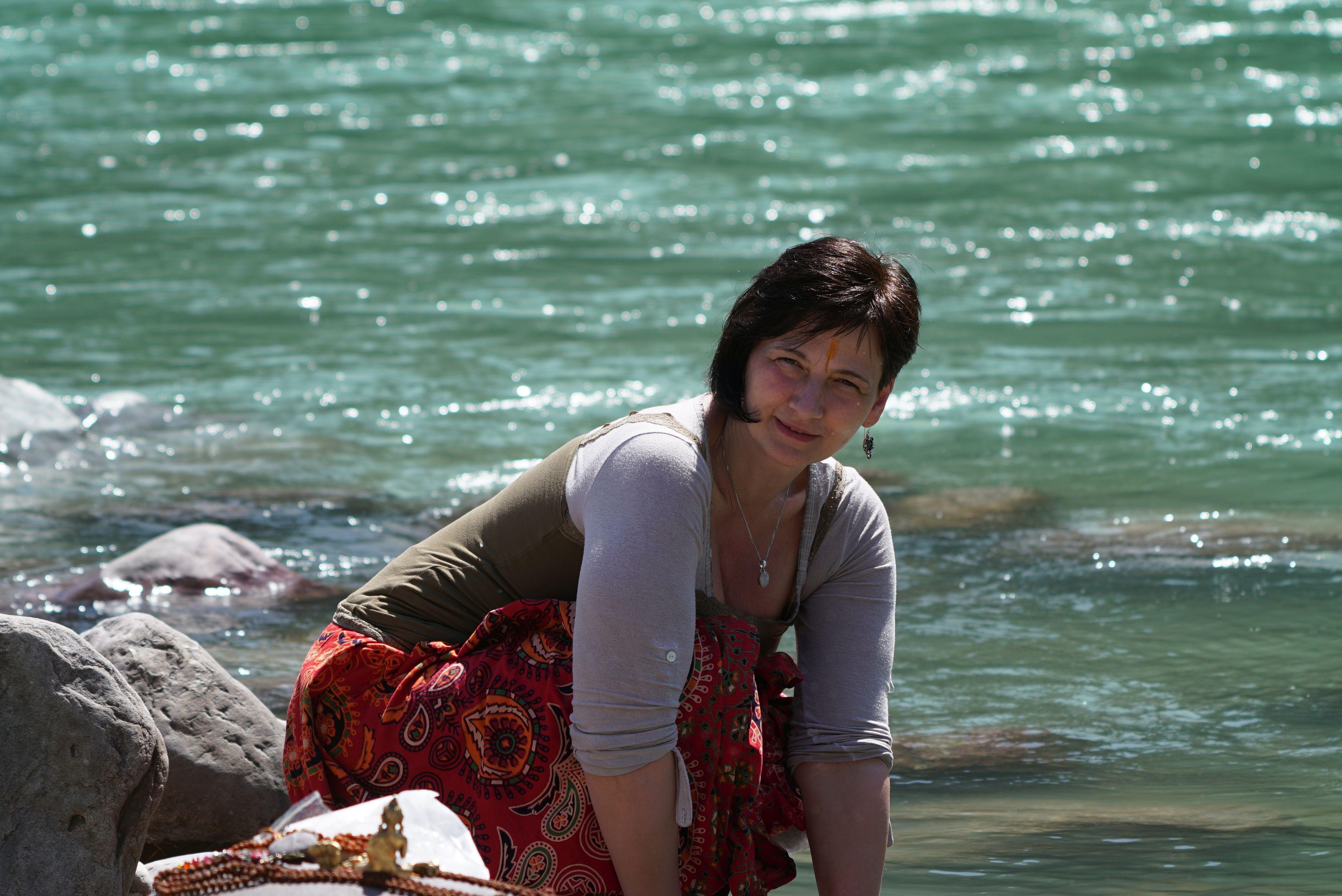 Ami megy, engedem, ami jön, fogadom: tavaszi nagytakarítás a jógában