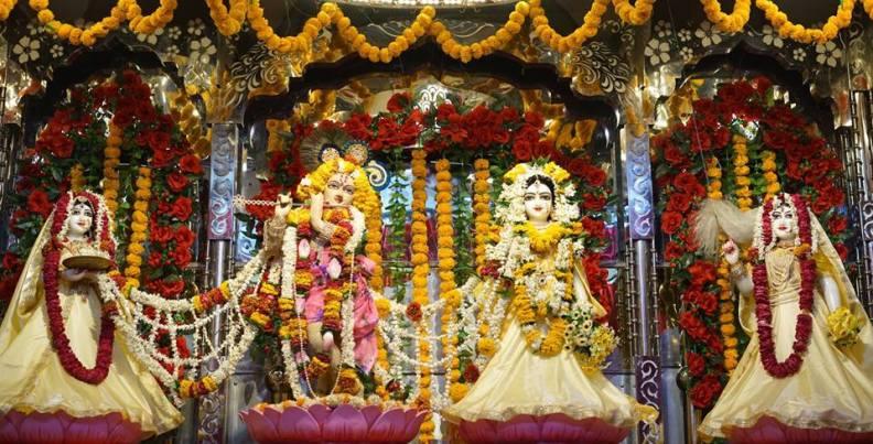 Kṛṣṇa szándéka a rāsa-tánccal